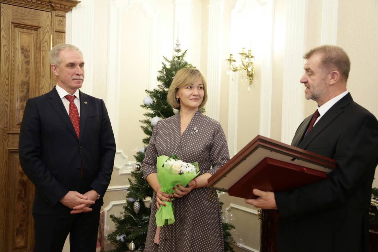 правила губернатор поздравил тренера с юбилеем рецептов